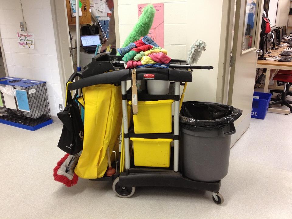 Prestations nettoyage à paris - équipements de nettoyage